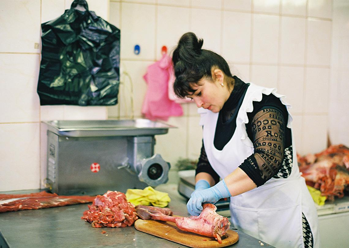 Продавец мяса на рынке в Одессе. Кулинарный сайт Марии Каленской.