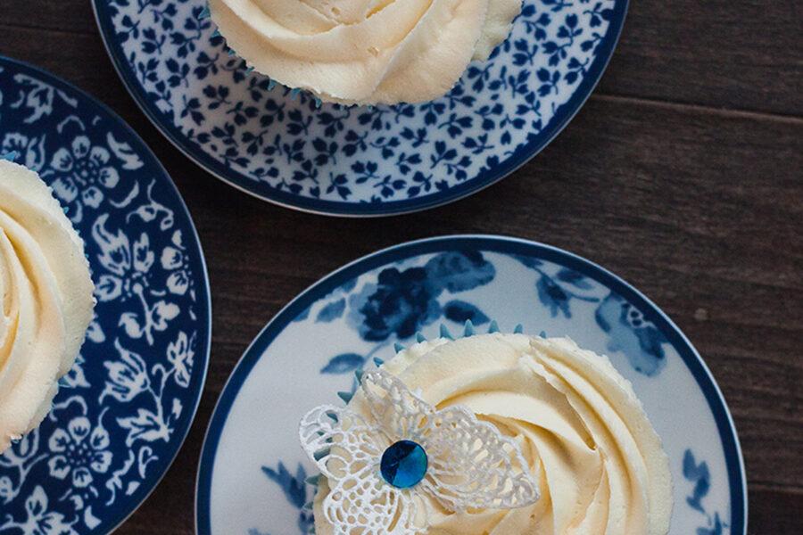 Создание ванильно-лавандовых капкейков - одного из самых любимых десертов в Великобритании. Кулинарные уроки в магазине Promenu с Марией Каленской.