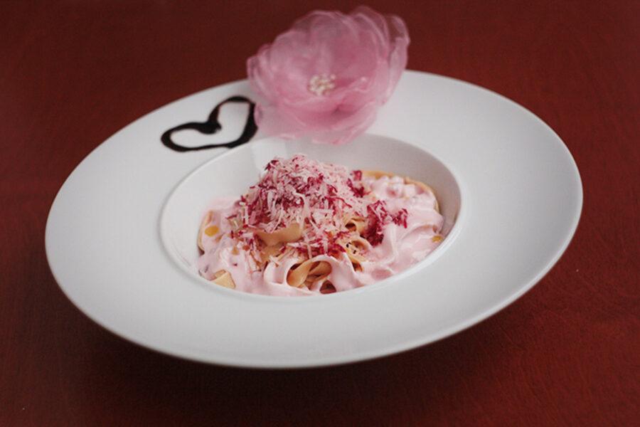 Розовая паста