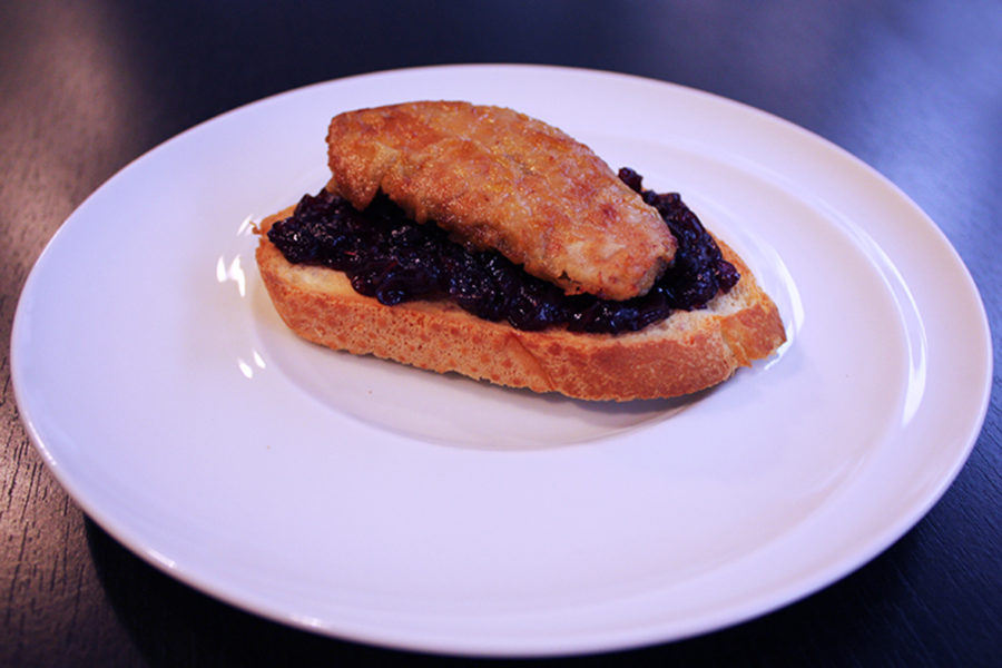 Foie gras toasts with red onion jam. Tasty recipes online from famous chefs.