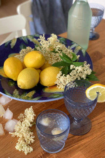 Socată or elderflower cordial. Delicious recipes from famous chefs.