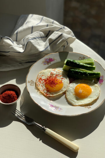 Fried eggs from Bessarabia. Best step by step cooking recipes with pictures