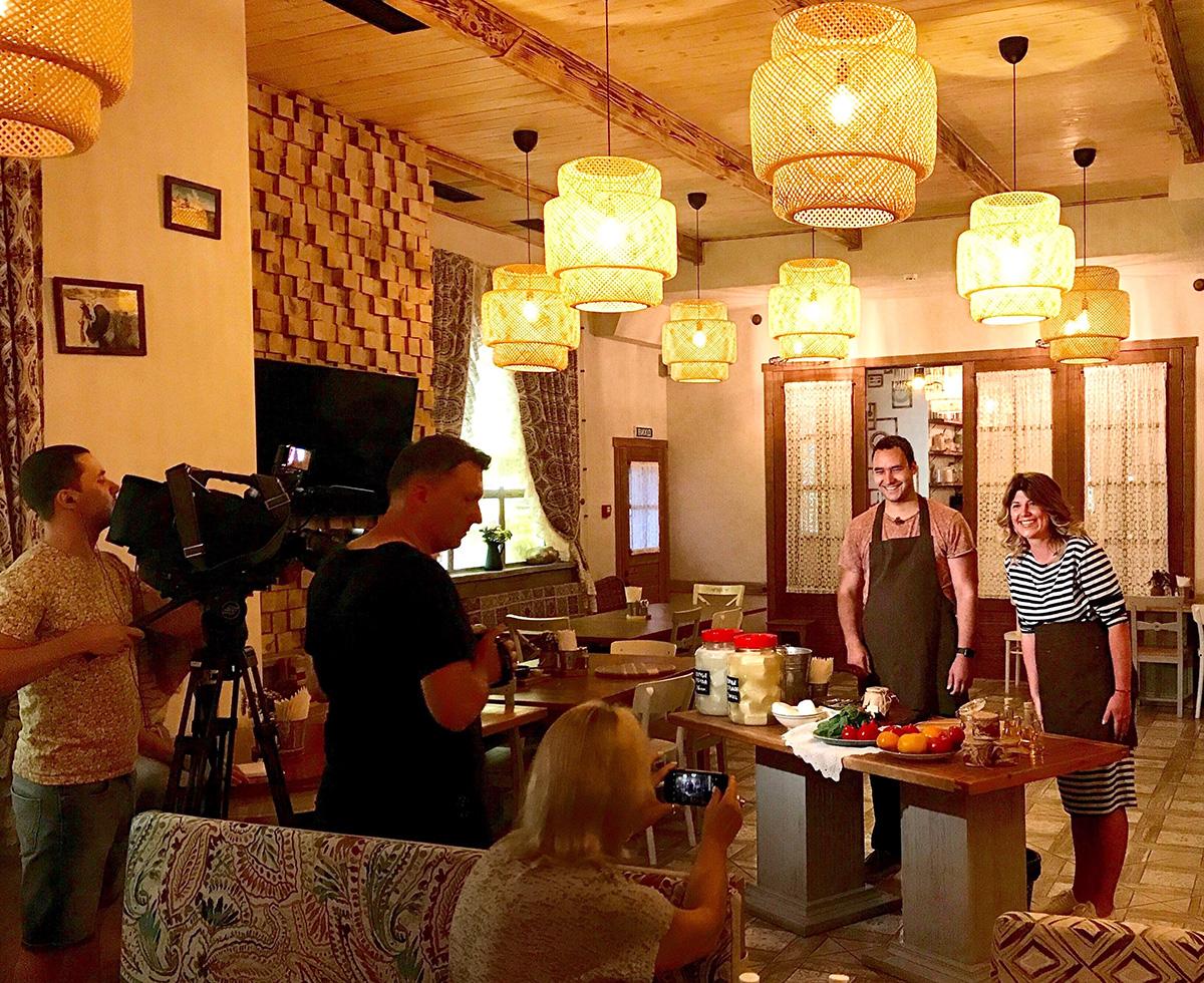 Съемки программы «Факты» ICTV в Одессе с гастрономическим экспертом и фуд-блогером Марией Каленской