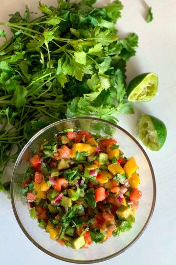 Mango Pico de Gallo. Salad with mango. The best culinary recipes on the gastronomy blog of Maria Kalenska.