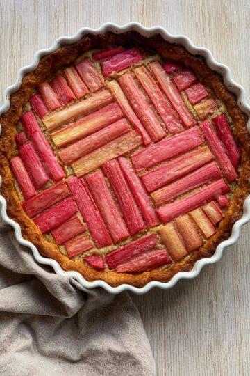 Пирог с ревенем и франжипаном - кулинарные рецепты с фото фуд-блогера Марии Каленской