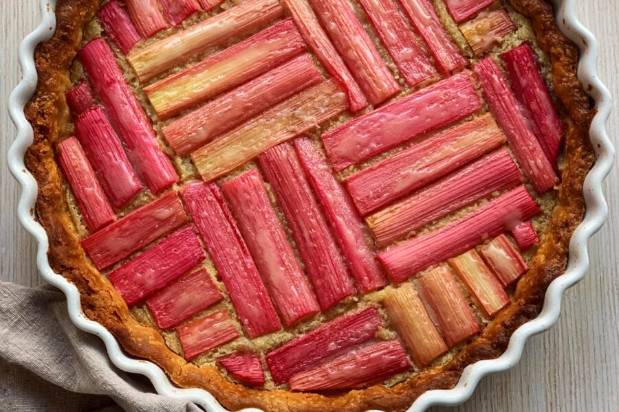 Rhubarb frangipane tart - cooking at home recipes by Maria Kalenska