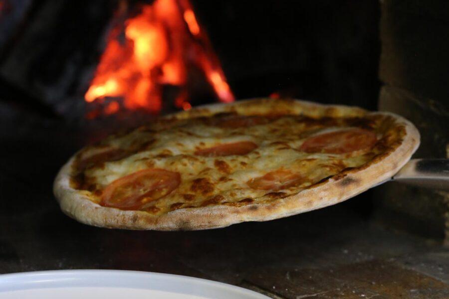 Тесто для пиццы на закваске от пекаря Mykola Nevrev - кулинарные рецепты с фото фуд-блогера Марии Каленской